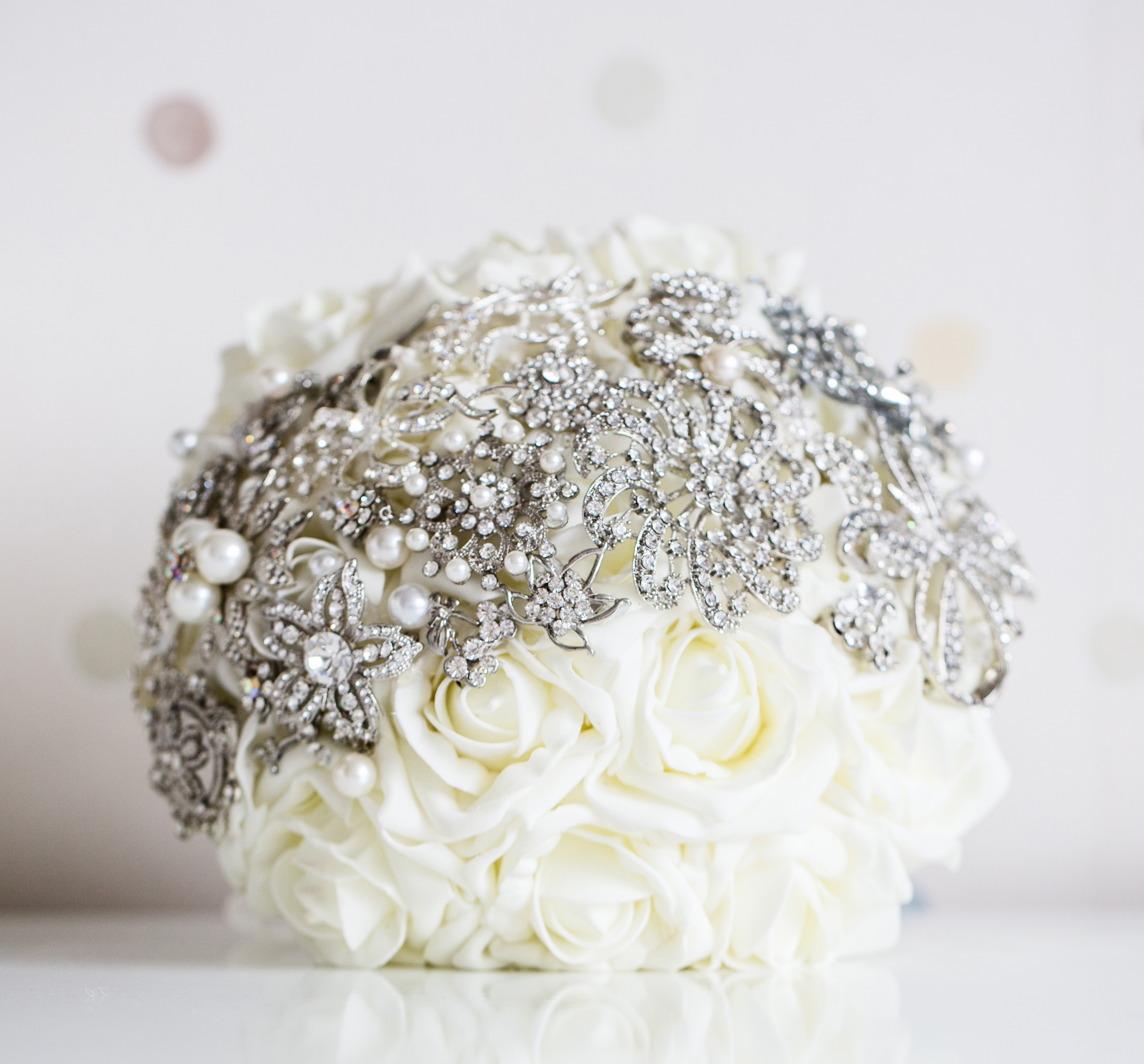 Jewellery bouquet with ivory roses