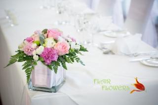 Abbey Hotel  pink & white vase table decoration