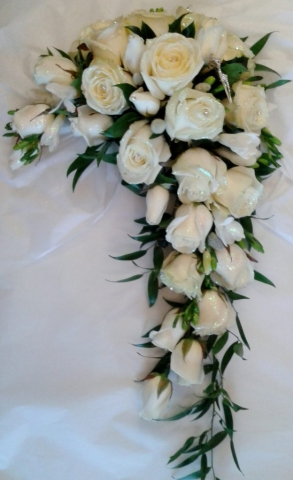 showers bouquet ivory crystalised roses