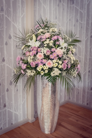 bling pedestal pink white flowers