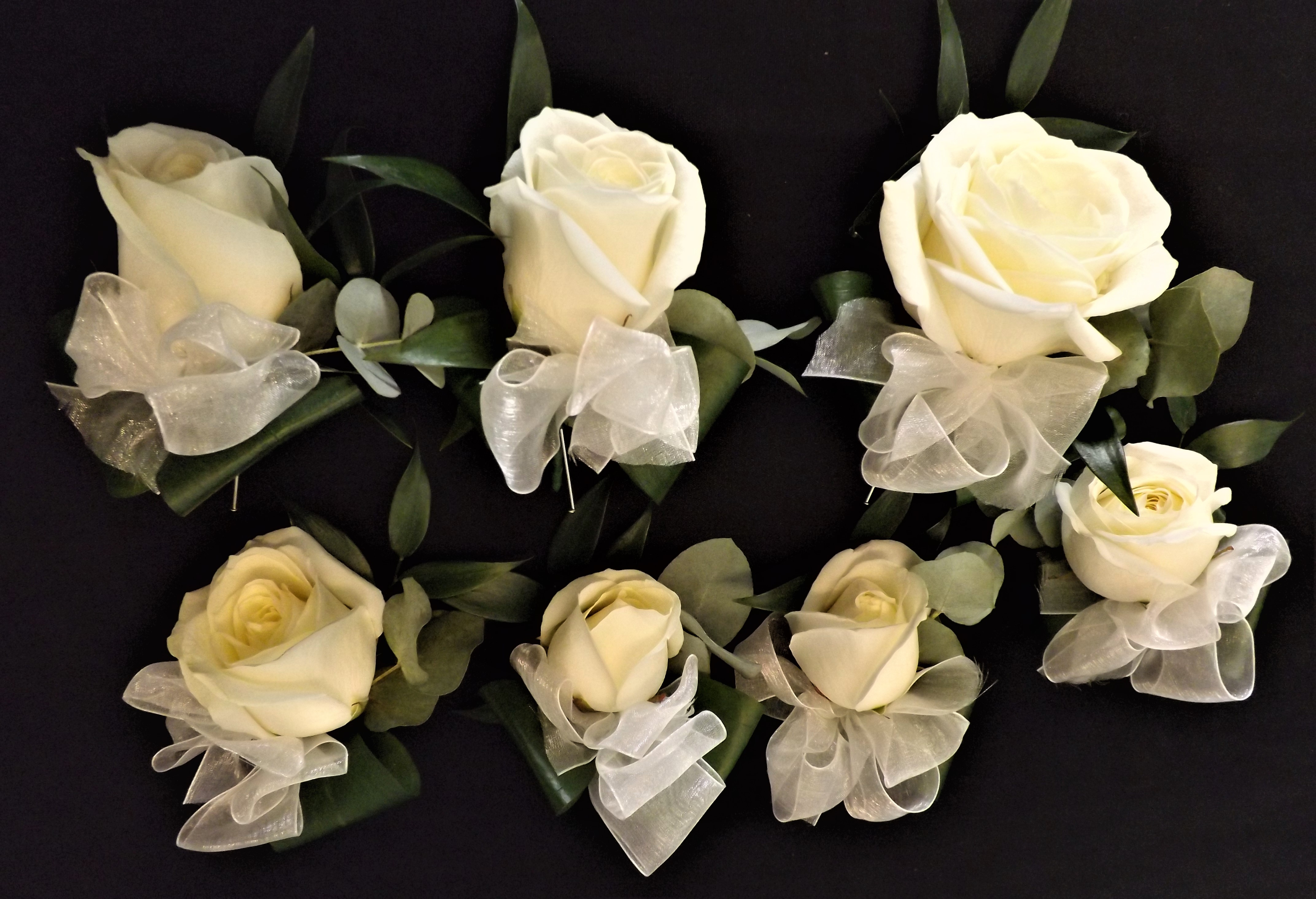 Ladies bridal party ivory roses ivory bows