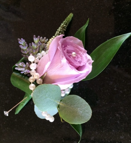 pearls with lilac rose