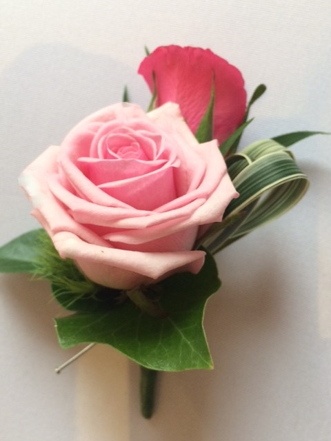 pink roses ladies buttonholes china grass