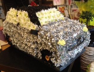 Bespoke 3d Mini Funeral Tribute FLORIST DELIVERY IN STUDLEY REDDITCH AD ALCESTER FLOWERS BESPOKE CAR UNUSUAL DIFFERENT FUNERAL ITEM