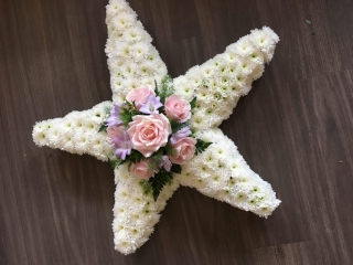 Star as a funeral tribute