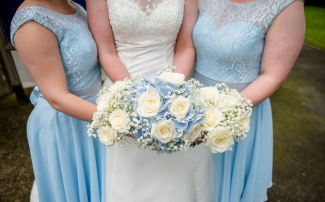 Blue hydrangea ivory roses with gypsophila