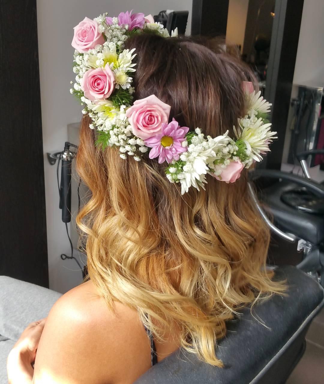 Head circlet roses and gypsophila